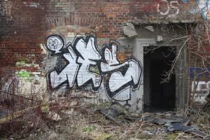 12-Ruine, ThürBhf, Graffito_MG_5769