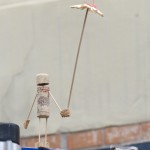 Korkie mit Luftschirm
